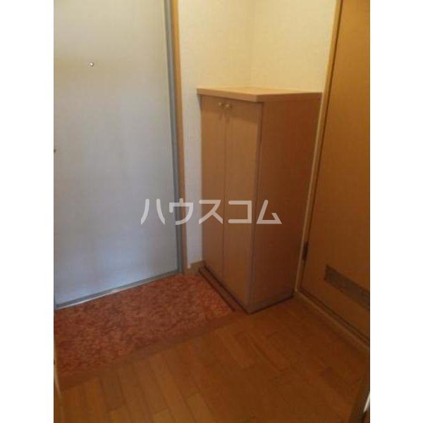 モンテローザ 102号室の玄関