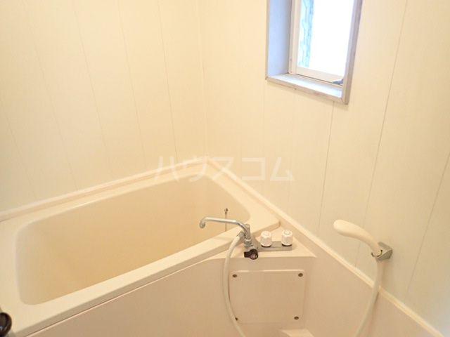 シティベール松崎 207号室の風呂