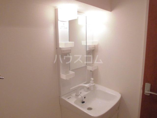 ロイヤルステージ吉塚 806号室の洗面所