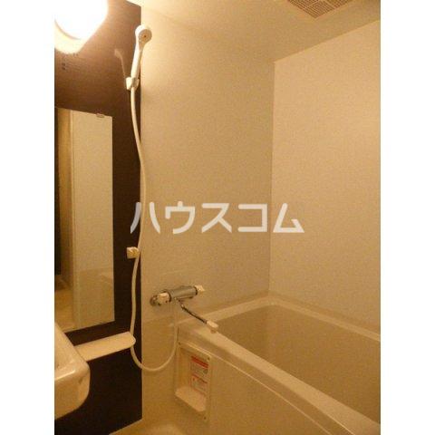 クレッシェンド空港前 102号室の風呂