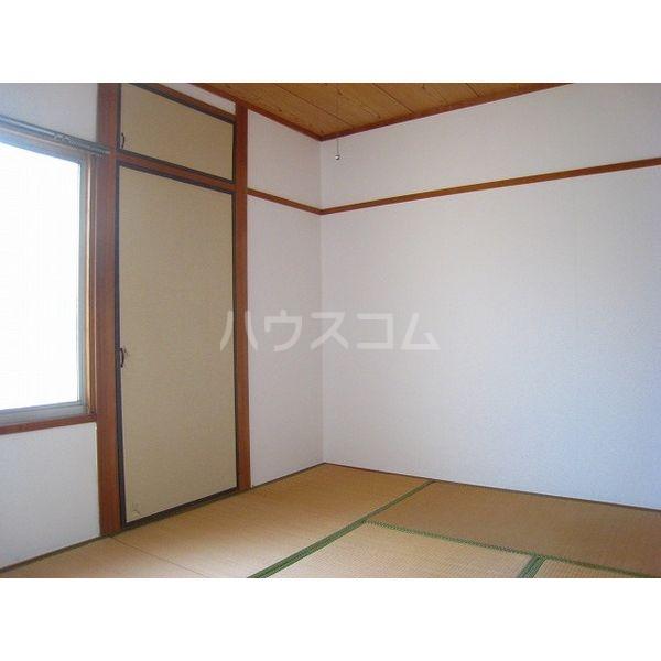 プランドゥ原田 102号室のリビング