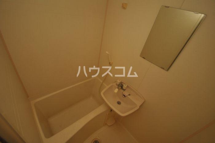 サンウッド吉塚 205号室の風呂