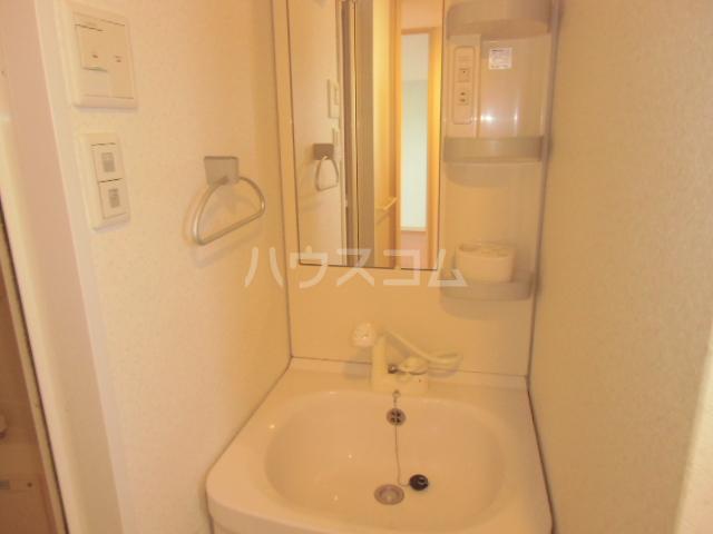 ソリエーヴォ県庁前 403号室の洗面所