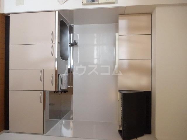 ランドマーク吉塚 701号室のキッチン