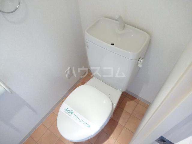 ランドマーク吉塚 701号室のトイレ