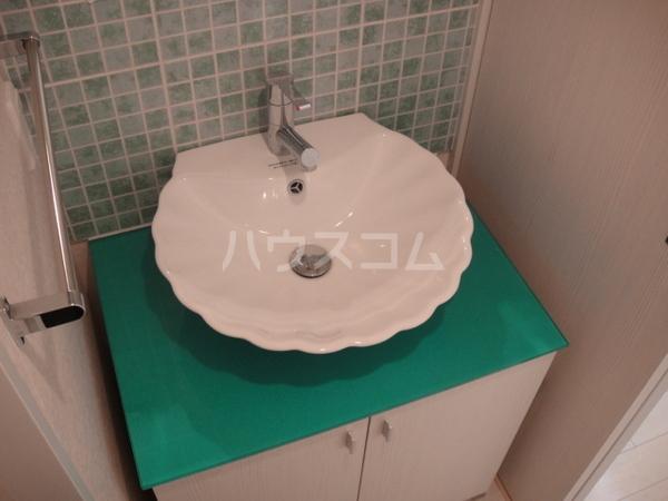 プライムアーバン博多東 505号室の洗面所