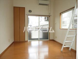 ソフィー箱崎 205号室のリビング