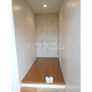 イーストUコート 207号室の玄関