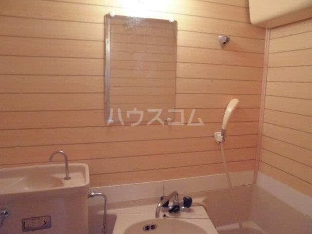 渕野ビル 205号室の洗面所