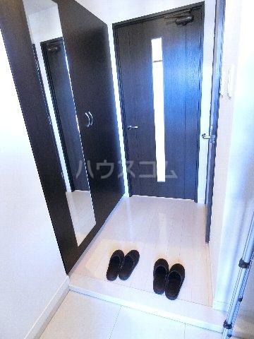 レジデンス箱崎 704号室の玄関