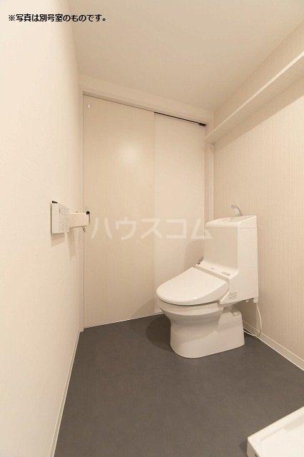 flower court 101号室のトイレ