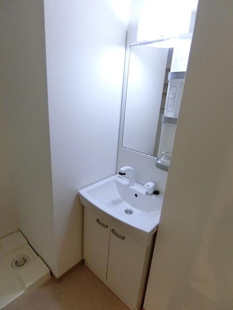 バーンメアオ チットロム 101号室の洗面所