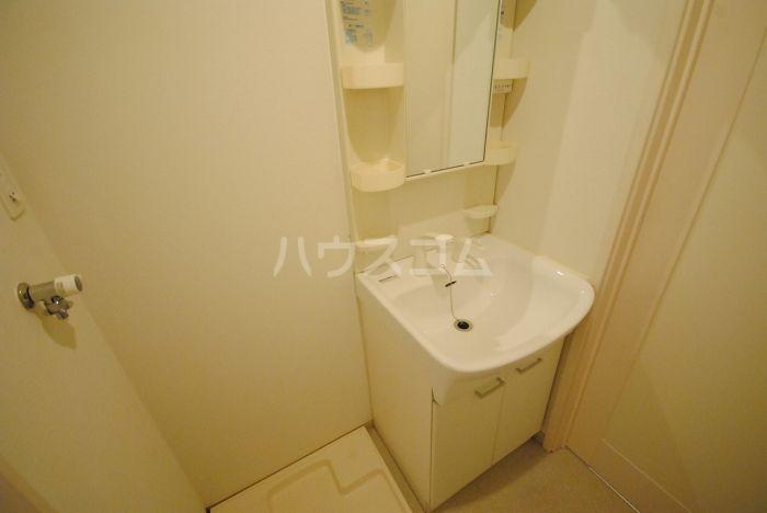 ラ・メール高田 201号室の洗面所