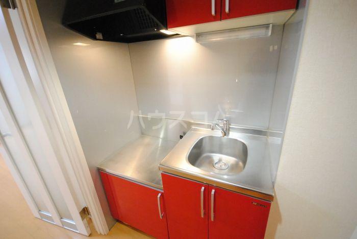 ラ・メール高田 201号室のキッチン