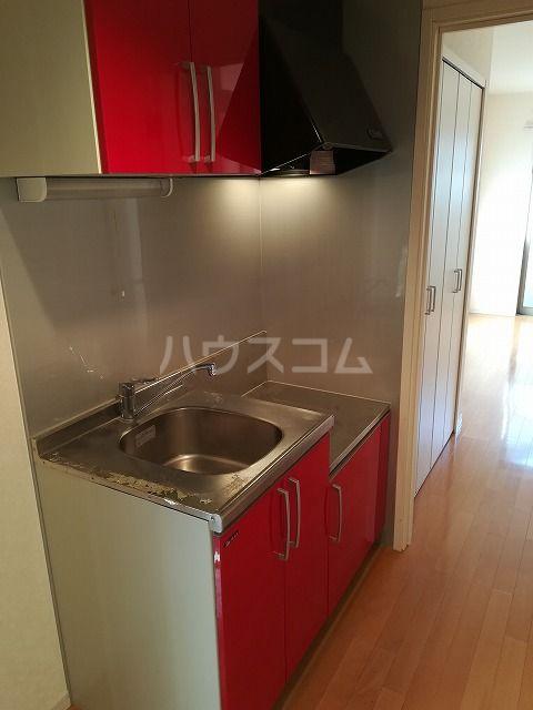 クレフラスト箱崎東Ⅱ 101号室のキッチン