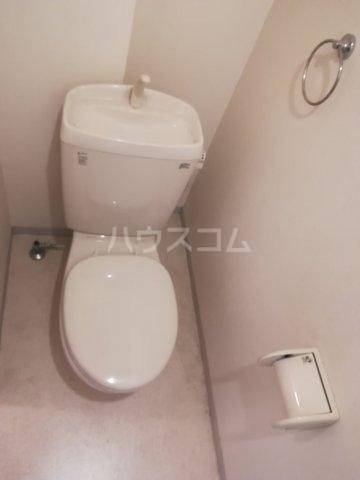 クレフラスト箱崎東Ⅱ 101号室のトイレ