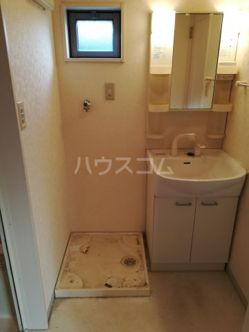 クレフラスト箱崎東Ⅱ 101号室の洗面所