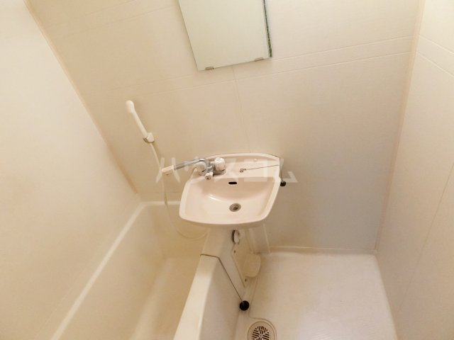 ピュア箱崎六番館 201号室の設備