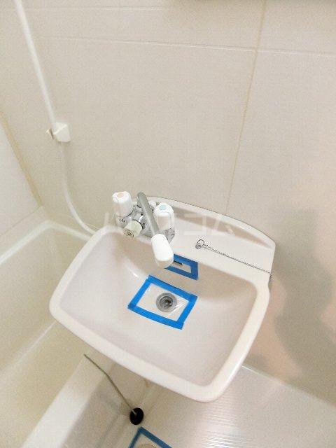 サンリバー箱崎駅南 201号室の洗面所