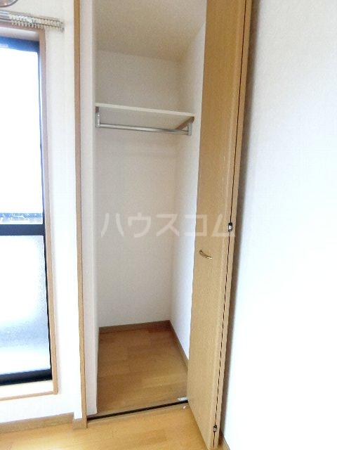 サンリバー箱崎駅南 201号室の収納