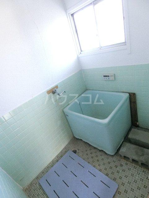 丸源荘 202号室の風呂