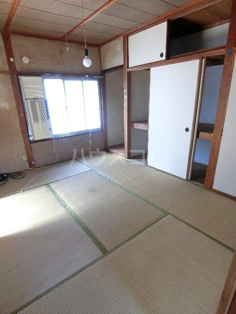丸源荘 202号室のベッドルーム