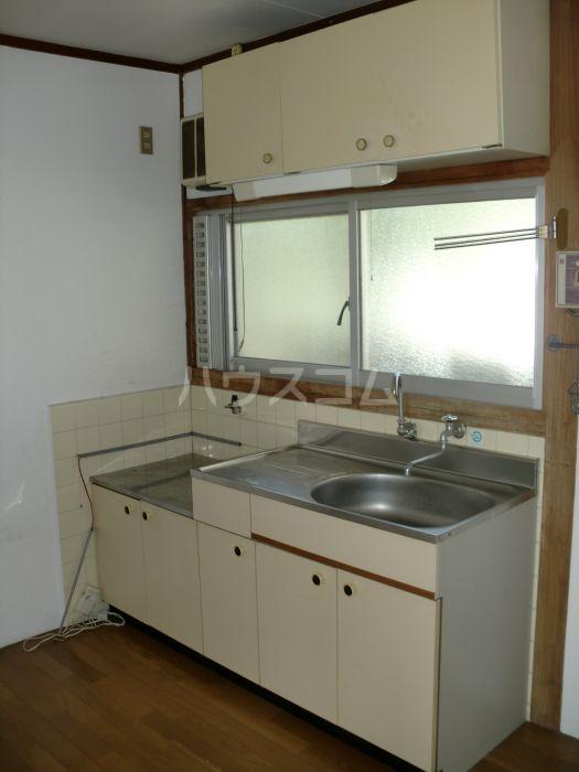窪田ハイツ  101号室のキッチン