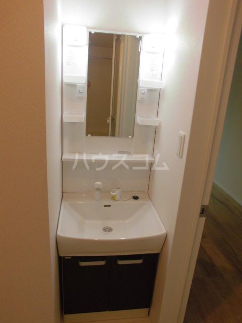 リテラ博多Ⅱ 301号室の洗面所