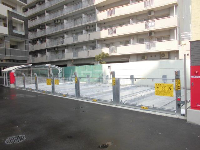 ALFACIO De Clave 1110号室の駐車場