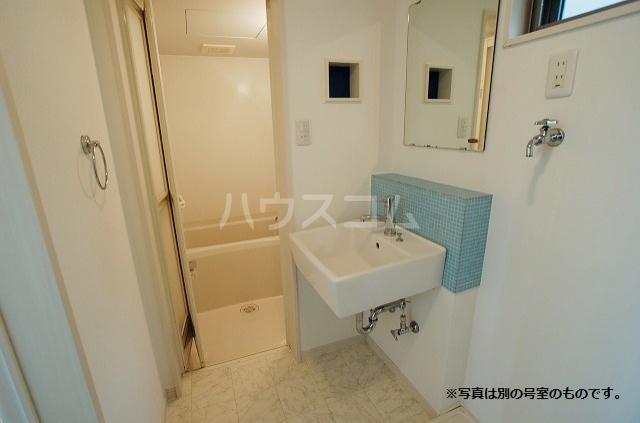 あーばんらいふ箱崎 103号室の洗面所