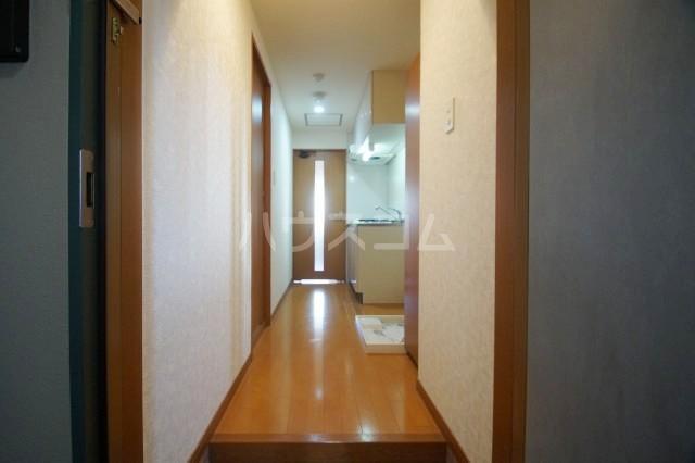 HF天神東レジデンス 302号室の玄関