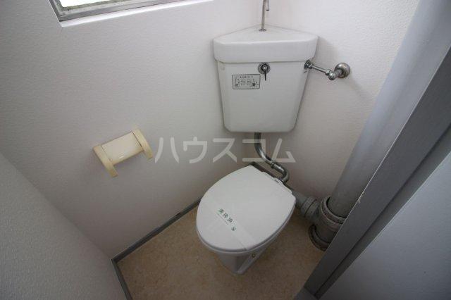 グリーンライフビル 404号室のトイレ