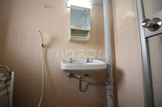 グリーンライフビル 404号室の洗面所