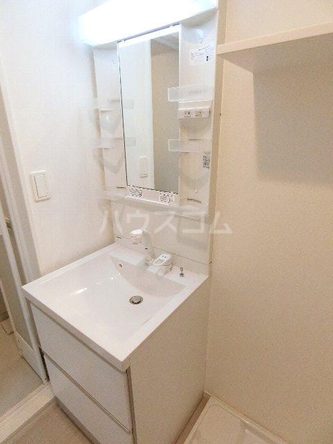 グランビル箱崎 201号室の洗面所