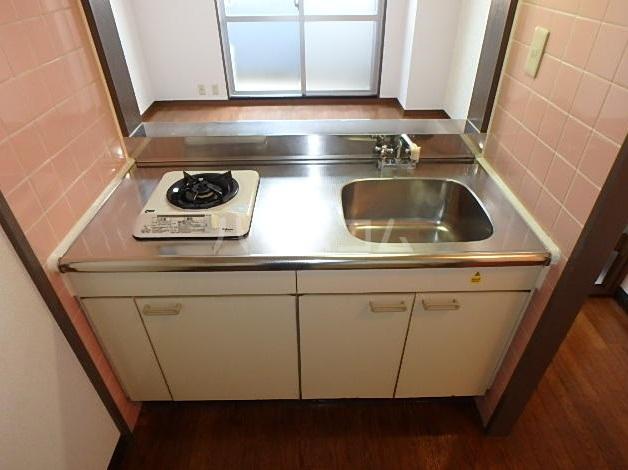 エミネンス藤 301号室のキッチン
