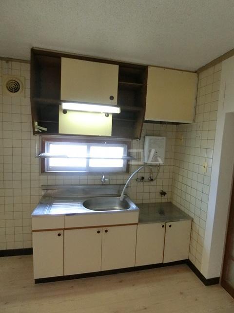 第一小舘ビル 401号室のキッチン