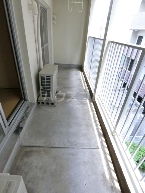 第一小舘ビル 401号室のバルコニー