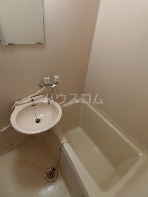 サンフィールド千代 801号室の風呂