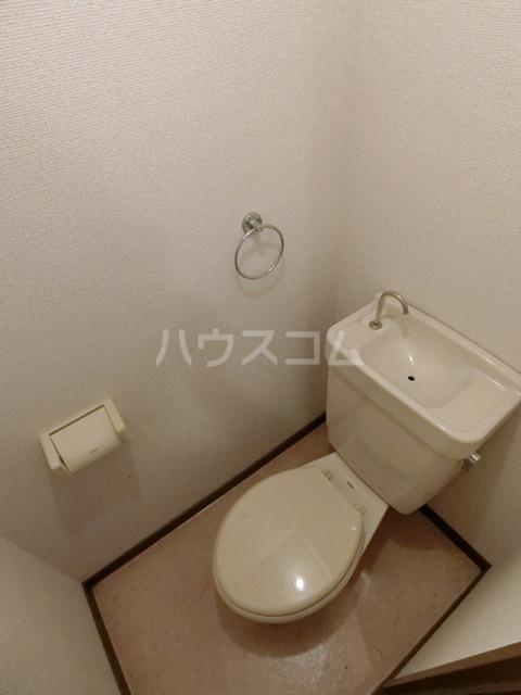 サンフィールド千代 801号室のトイレ