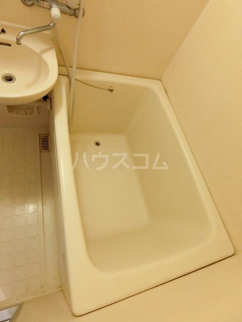 レジデンスコア 410号室の風呂