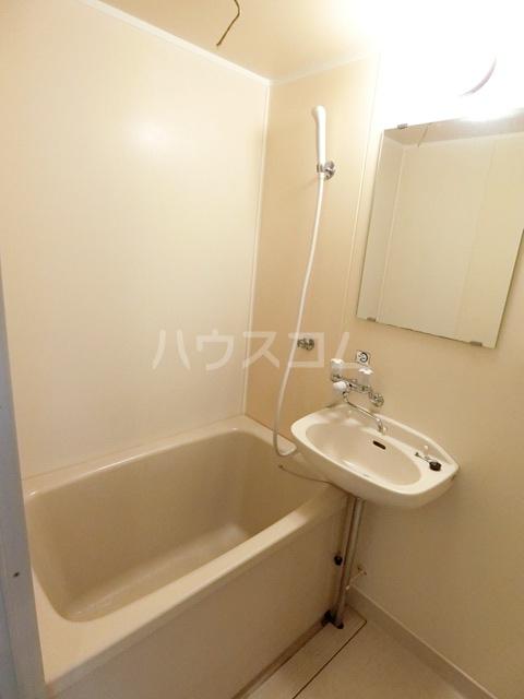 レジデンス貝塚 107号室の風呂