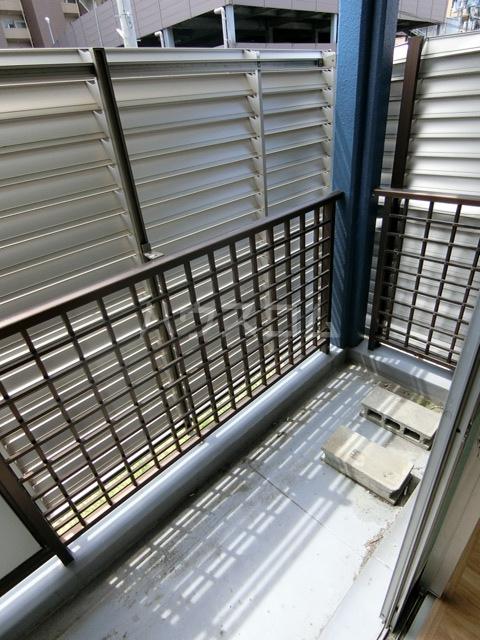 レジデンス貝塚 107号室のバルコニー