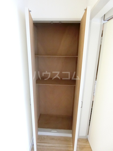 レジデンス貝塚 107号室の収納