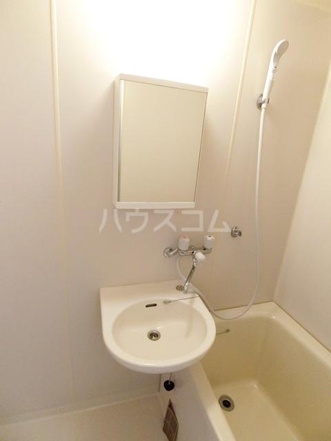 レジデンス松島 108号室の洗面所