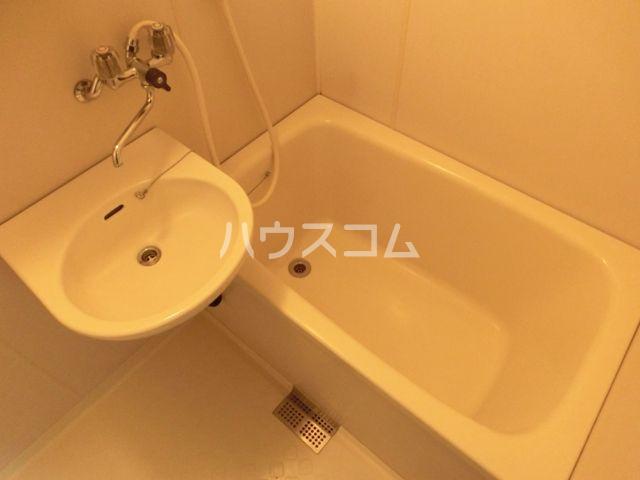 グリーンピア原田 403号室の風呂