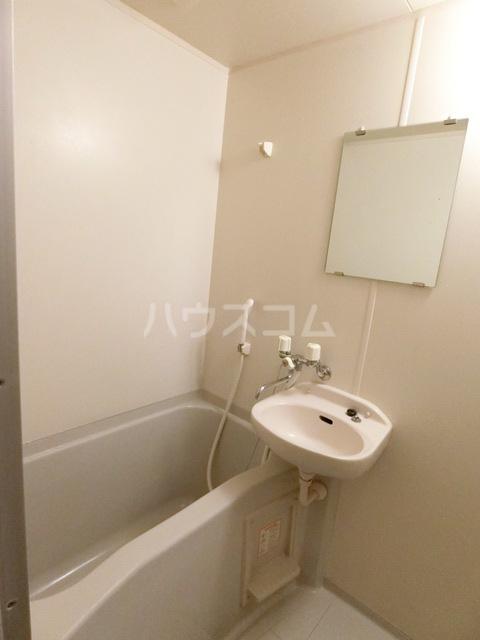 フォレストラメール 512号室の風呂