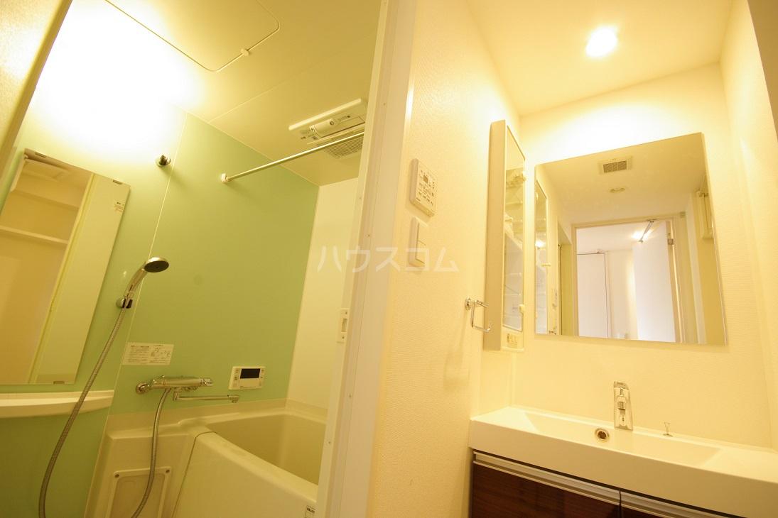 ビエネスタ千代県庁口 1105号室の洗面所