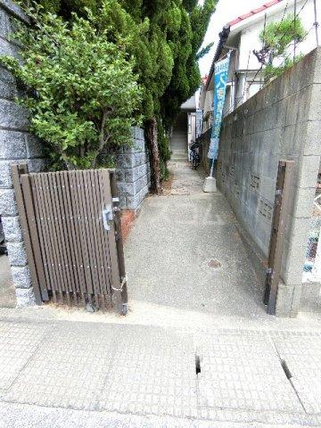 馳川アパート 01号室の玄関