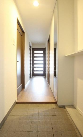 沙都和ビル 805号室の玄関