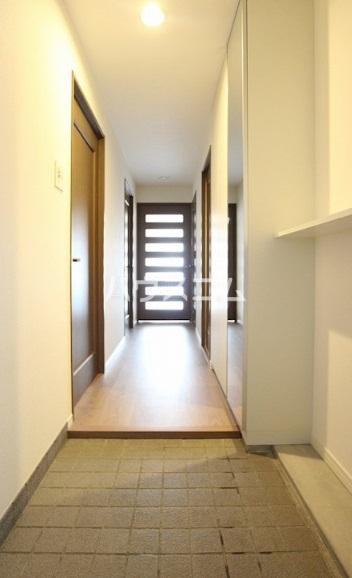 沙都和ビル 1403号室の玄関